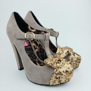 Betsey Johnson T-Strap Taupe Gold Sequin Heels 7 M